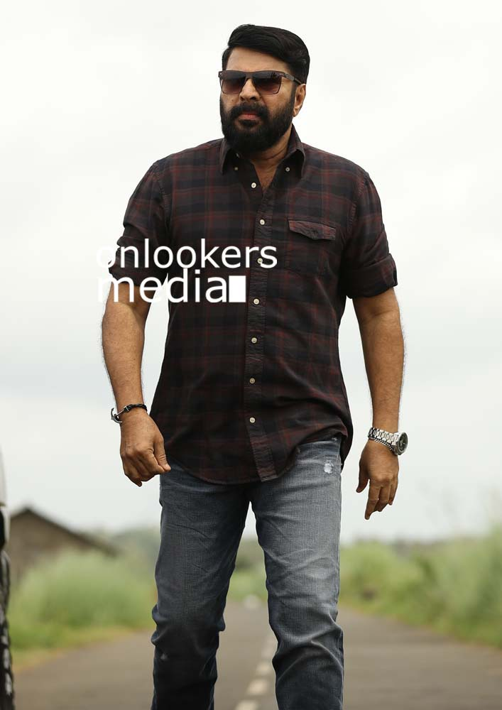 http://onlookersmedia.in/wp-content/uploads/2017/03/Mammootty-in-The-Great-Father-Stills-Photos-40.jpg
