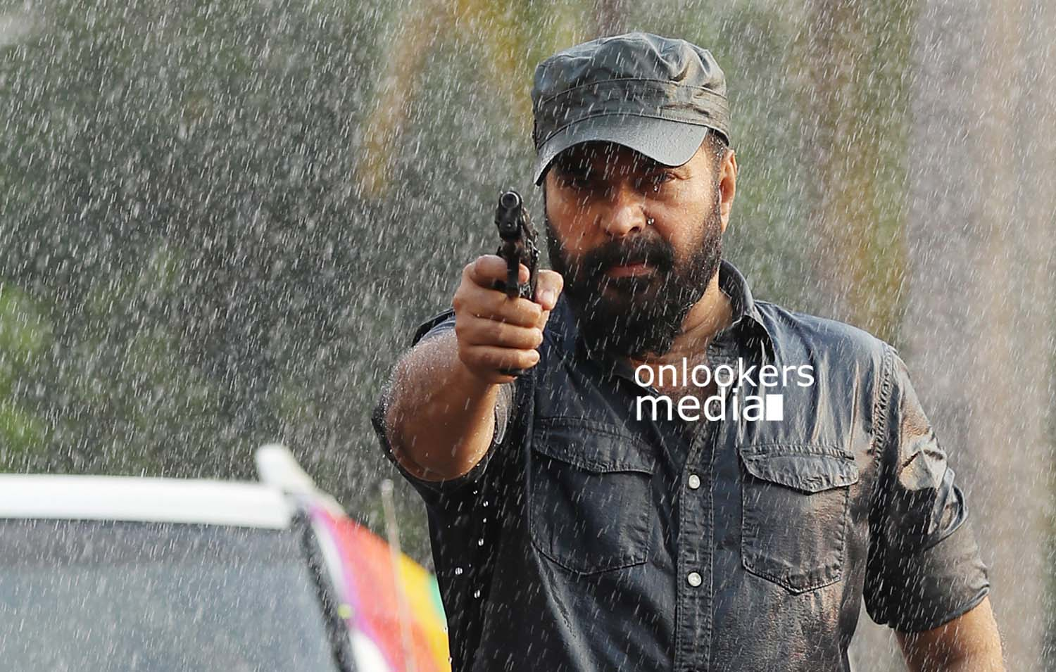 http://onlookersmedia.in/wp-content/uploads/2017/03/Mammootty-in-The-Great-Father-Stills-Photos-45.jpg