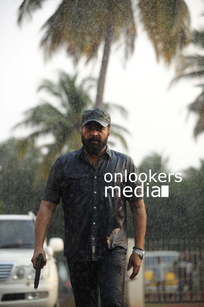 http://onlookersmedia.in/wp-content/uploads/2017/03/Mammootty-in-The-Great-Father-Stills-Photos-47.jpg