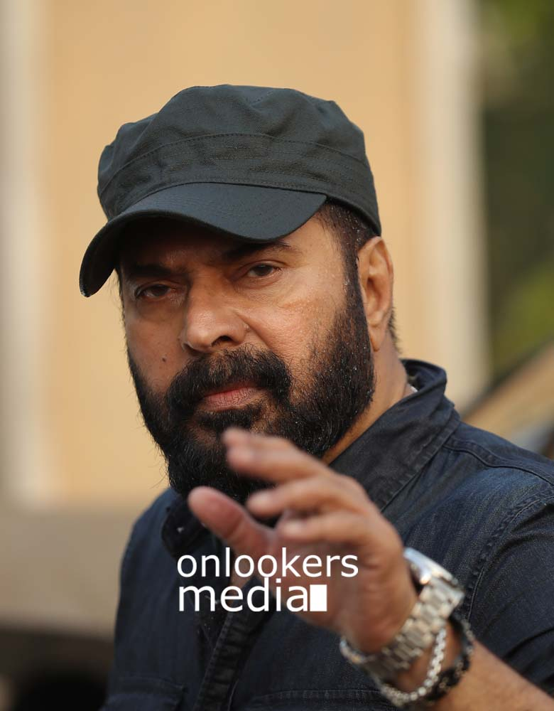 http://onlookersmedia.in/wp-content/uploads/2017/03/Mammootty-in-The-Great-Father-Stills-Photos-49.jpg