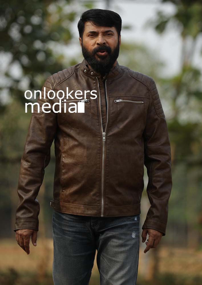 http://onlookersmedia.in/wp-content/uploads/2017/03/Mammootty-in-The-Great-Father-Stills-Photos-52.jpg