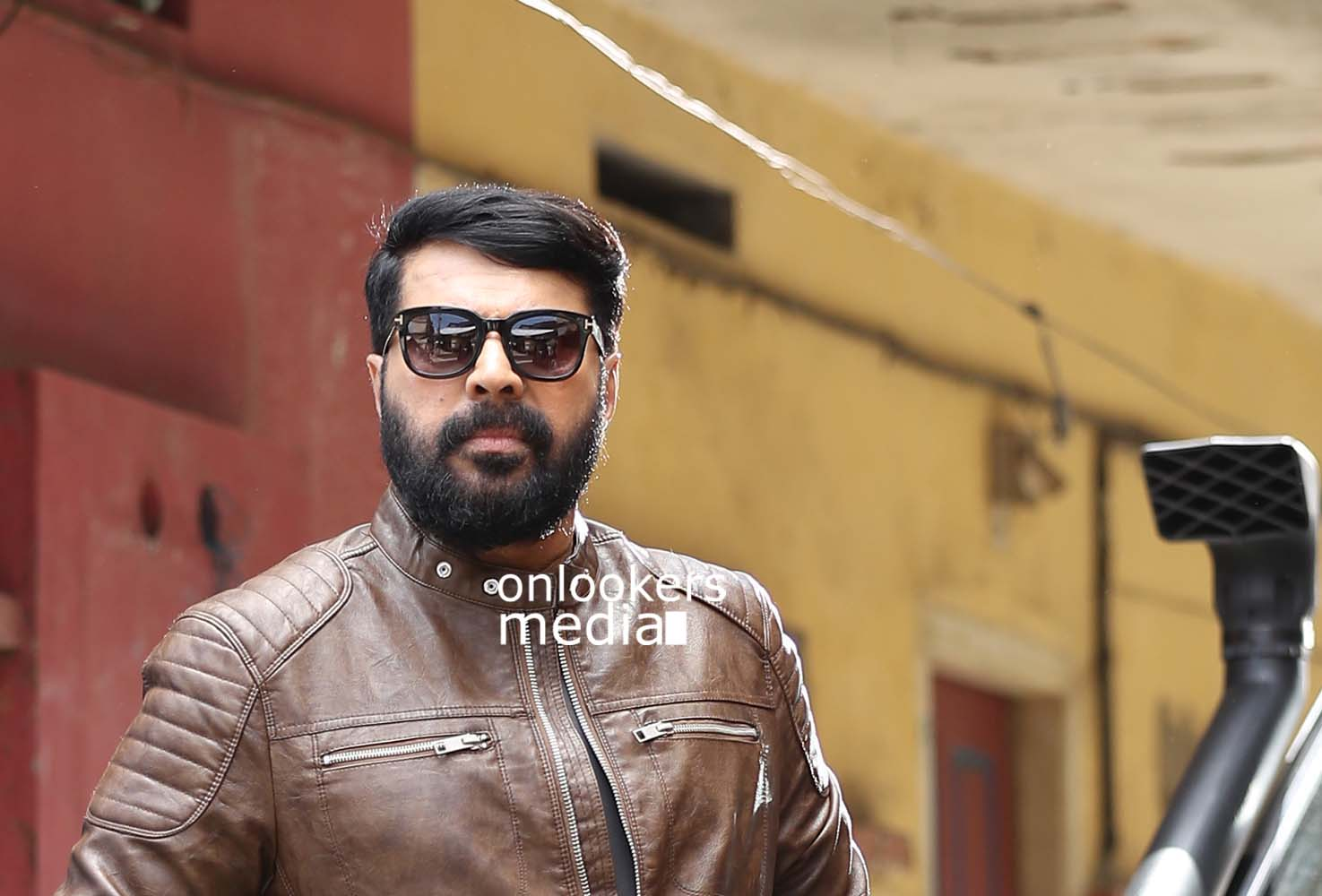 http://onlookersmedia.in/wp-content/uploads/2017/03/Mammootty-in-The-Great-Father-Stills-Photos-58.jpg