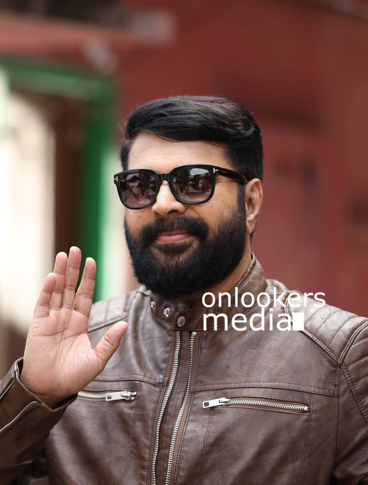 http://onlookersmedia.in/wp-content/uploads/2017/03/Mammootty-in-The-Great-Father-Stills-Photos-59.jpg