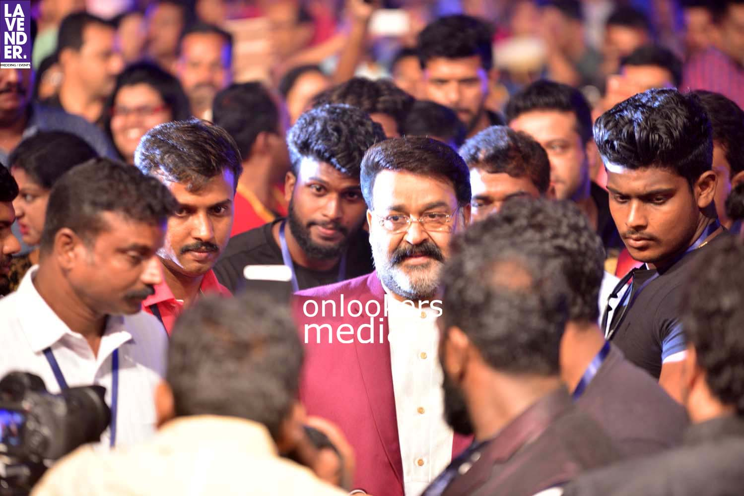 http://onlookersmedia.in/wp-content/uploads/2017/03/Pulimurugan-150-Days-150-Crores-Celebration-Stills-2.jpg