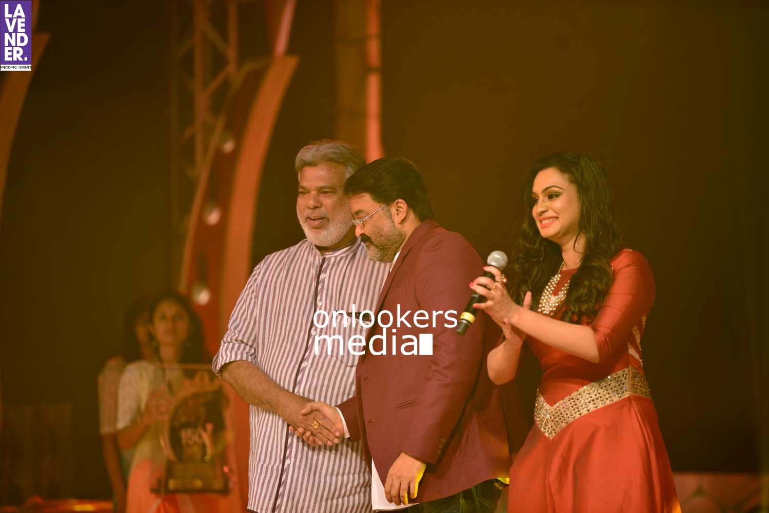 http://onlookersmedia.in/wp-content/uploads/2017/03/Pulimurugan-150-Days-150-Crores-Celebration-Stills-67.jpg