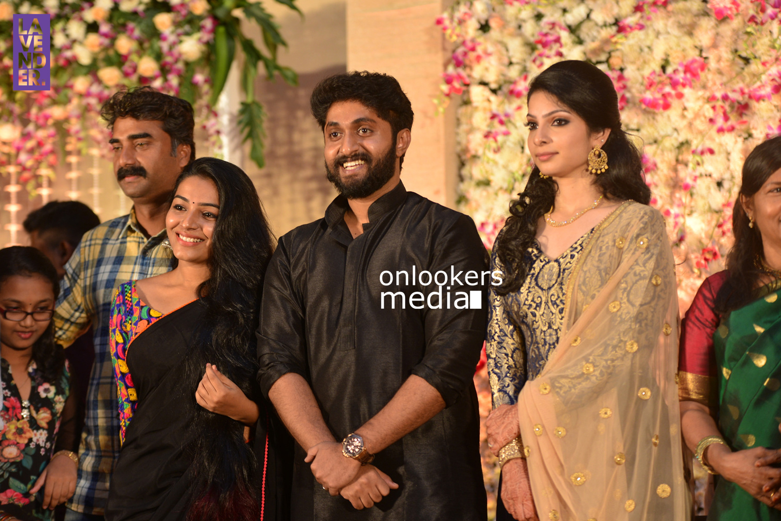 http://onlookersmedia.in/wp-content/uploads/2017/04/Dhyan-Sreenivasan-Wedding-Reception-Stills-Photo-116.jpg