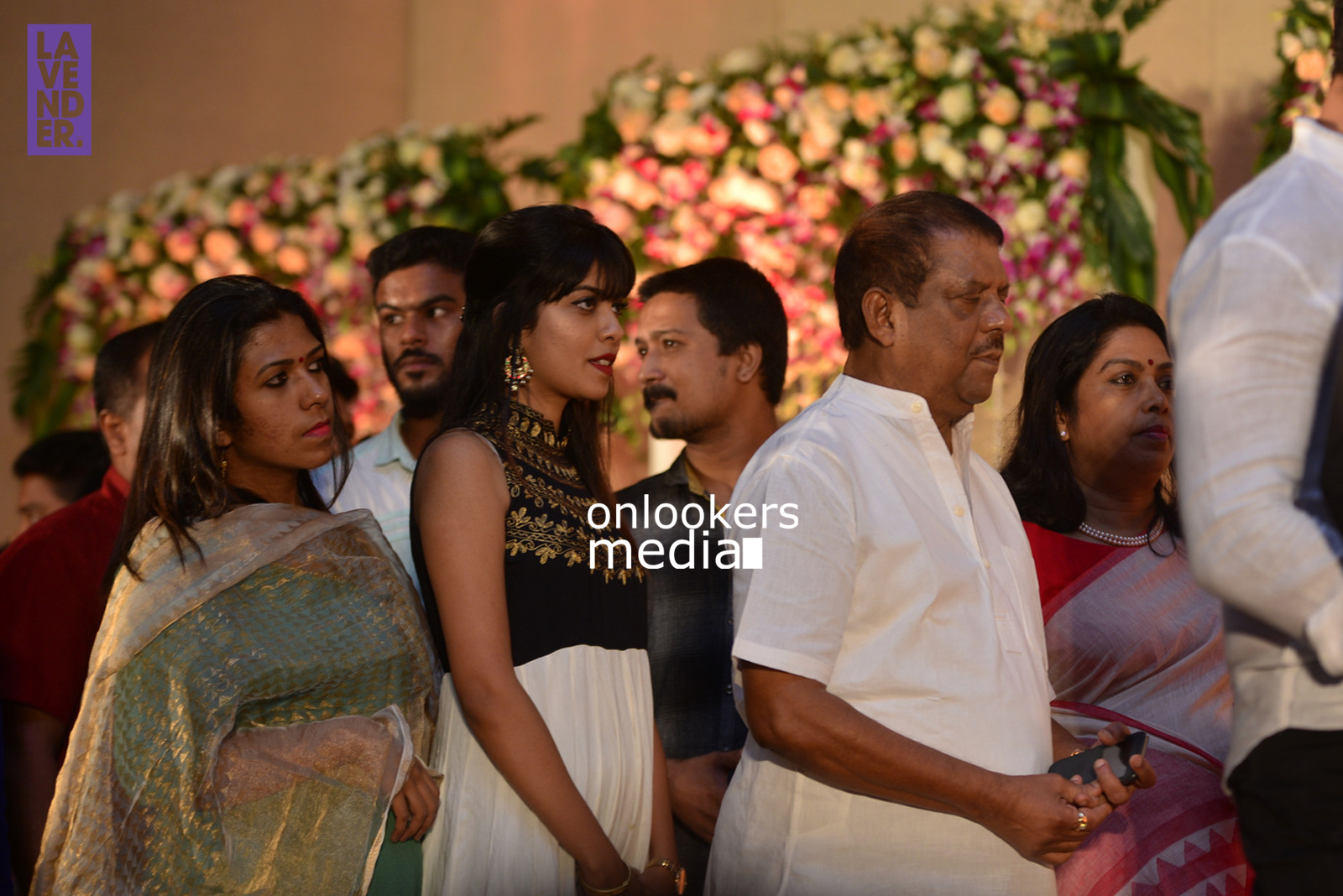 http://onlookersmedia.in/wp-content/uploads/2017/04/Dhyan-Sreenivasan-Wedding-Reception-Stills-Photo-122.jpg