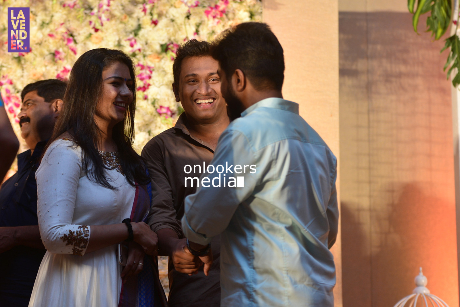http://onlookersmedia.in/wp-content/uploads/2017/04/Dhyan-Sreenivasan-Wedding-Reception-Stills-Photo-139.jpg