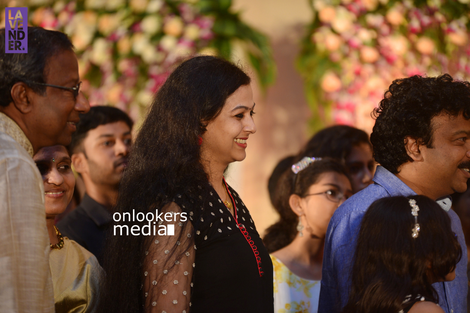 http://onlookersmedia.in/wp-content/uploads/2017/04/Dhyan-Sreenivasan-Wedding-Reception-Stills-Photo-147.jpg