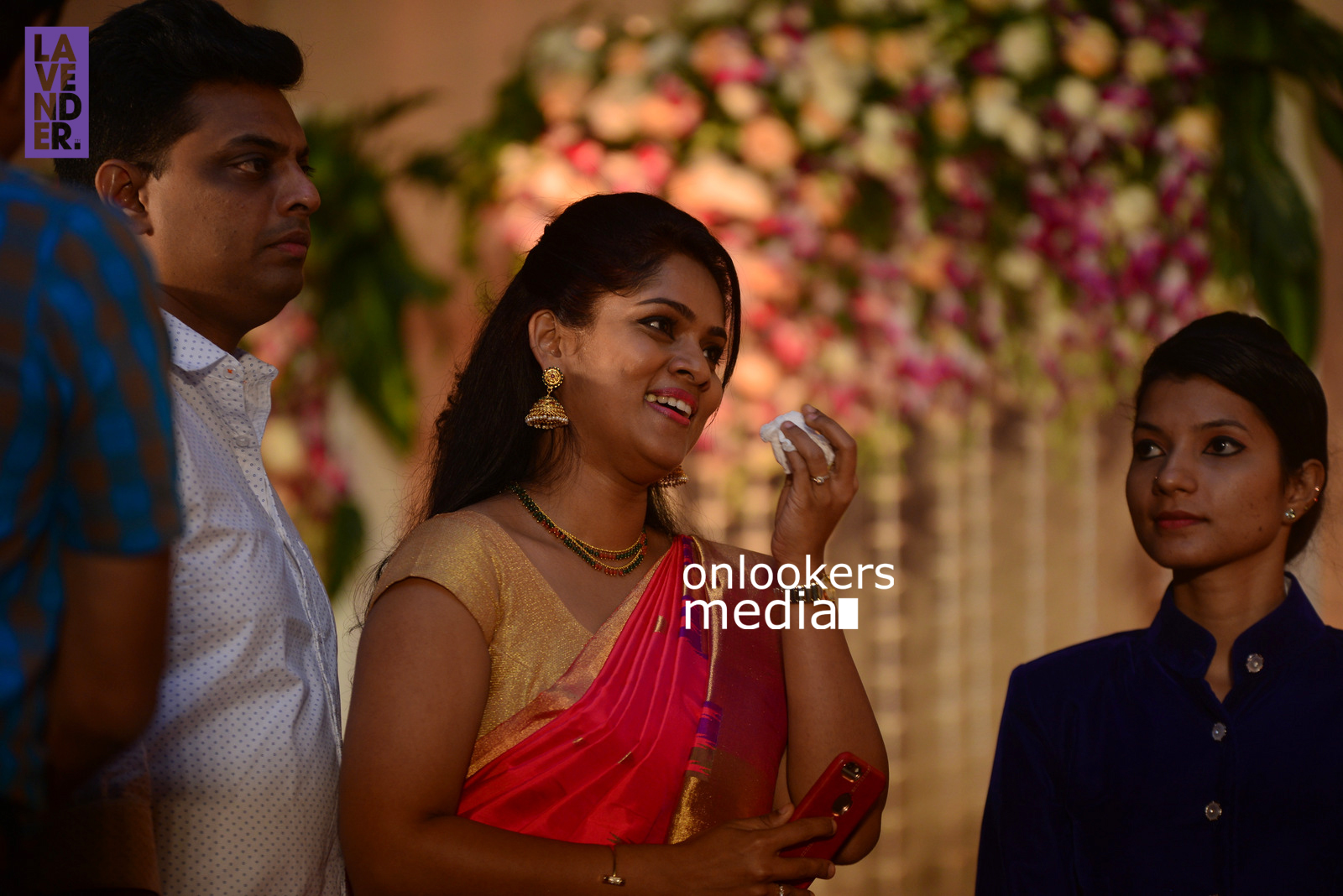 http://onlookersmedia.in/wp-content/uploads/2017/04/Dhyan-Sreenivasan-Wedding-Reception-Stills-Photo-162.jpg