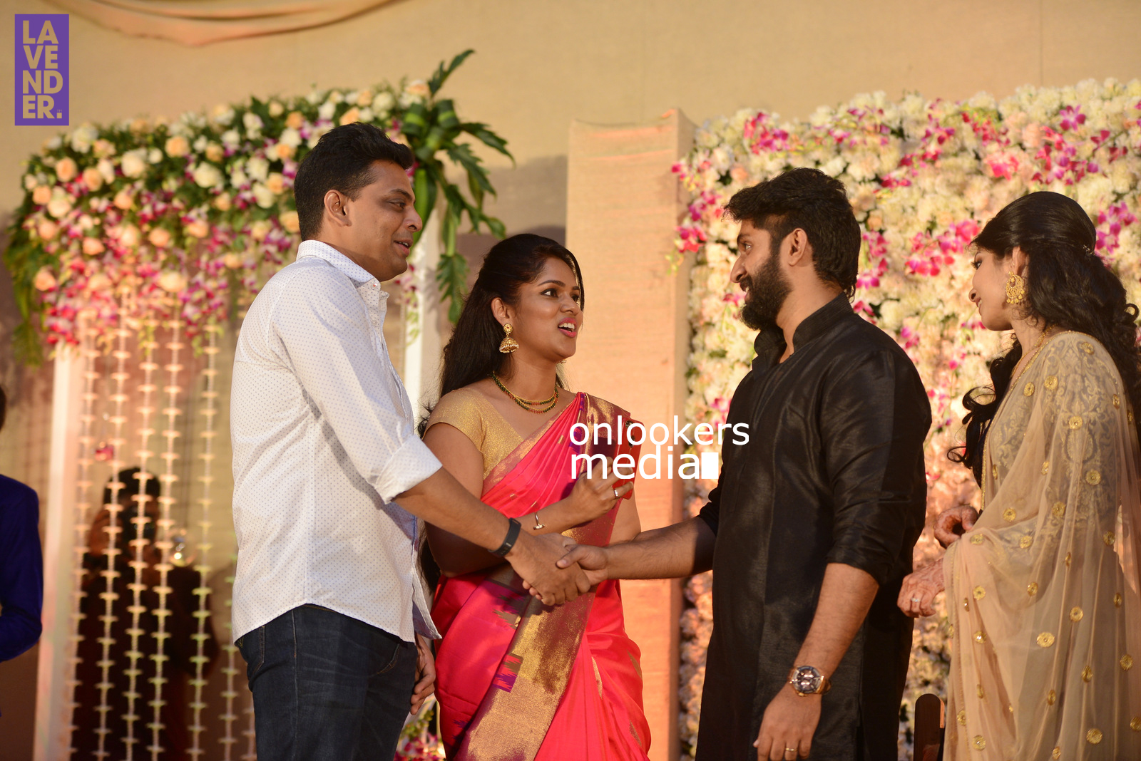 http://onlookersmedia.in/wp-content/uploads/2017/04/Dhyan-Sreenivasan-Wedding-Reception-Stills-Photo-163.jpg