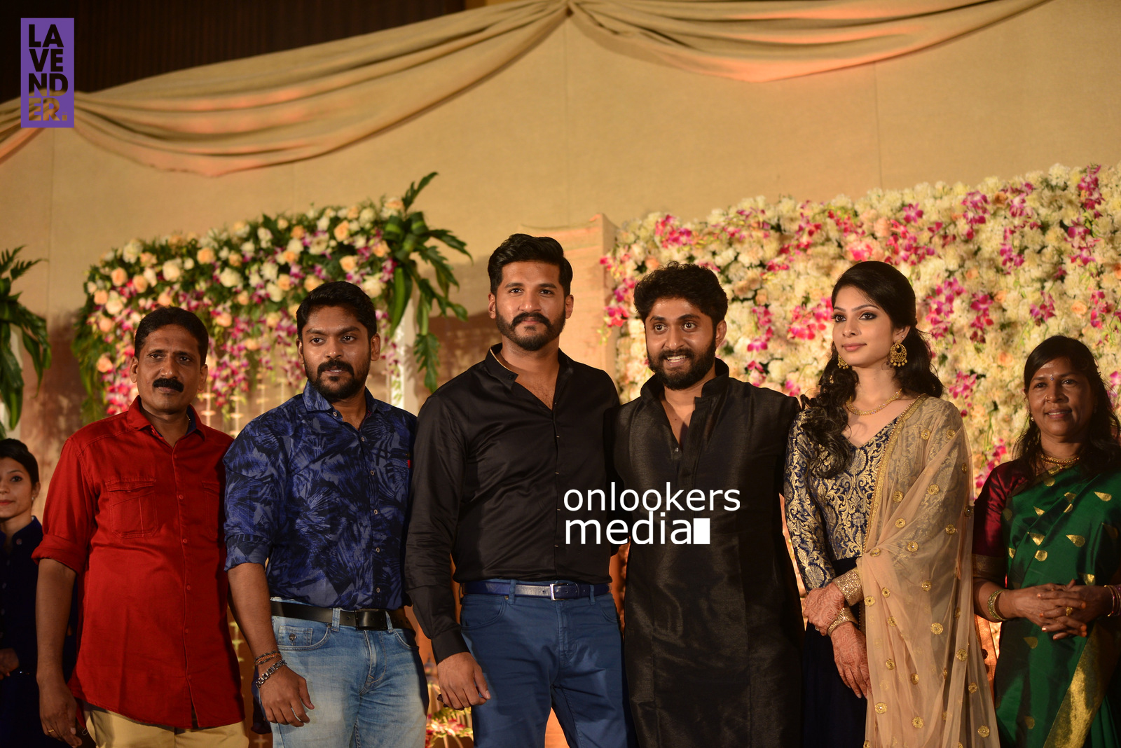 http://onlookersmedia.in/wp-content/uploads/2017/04/Dhyan-Sreenivasan-Wedding-Reception-Stills-Photo-180.jpg