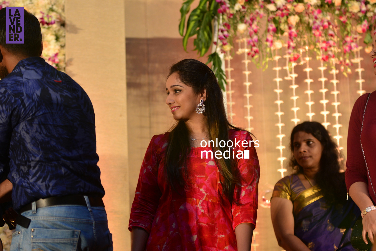 http://onlookersmedia.in/wp-content/uploads/2017/04/Dhyan-Sreenivasan-Wedding-Reception-Stills-Photo-182.jpg