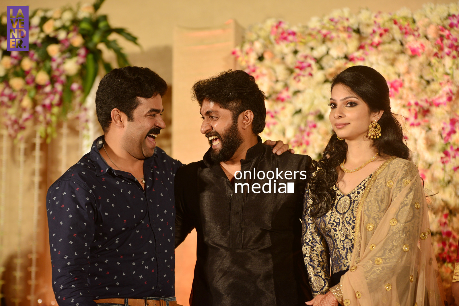 http://onlookersmedia.in/wp-content/uploads/2017/04/Dhyan-Sreenivasan-Wedding-Reception-Stills-Photo-194.jpg