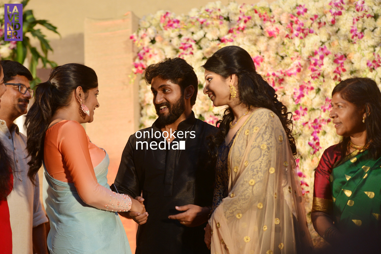 http://onlookersmedia.in/wp-content/uploads/2017/04/Dhyan-Sreenivasan-Wedding-Reception-Stills-Photo-198.jpg