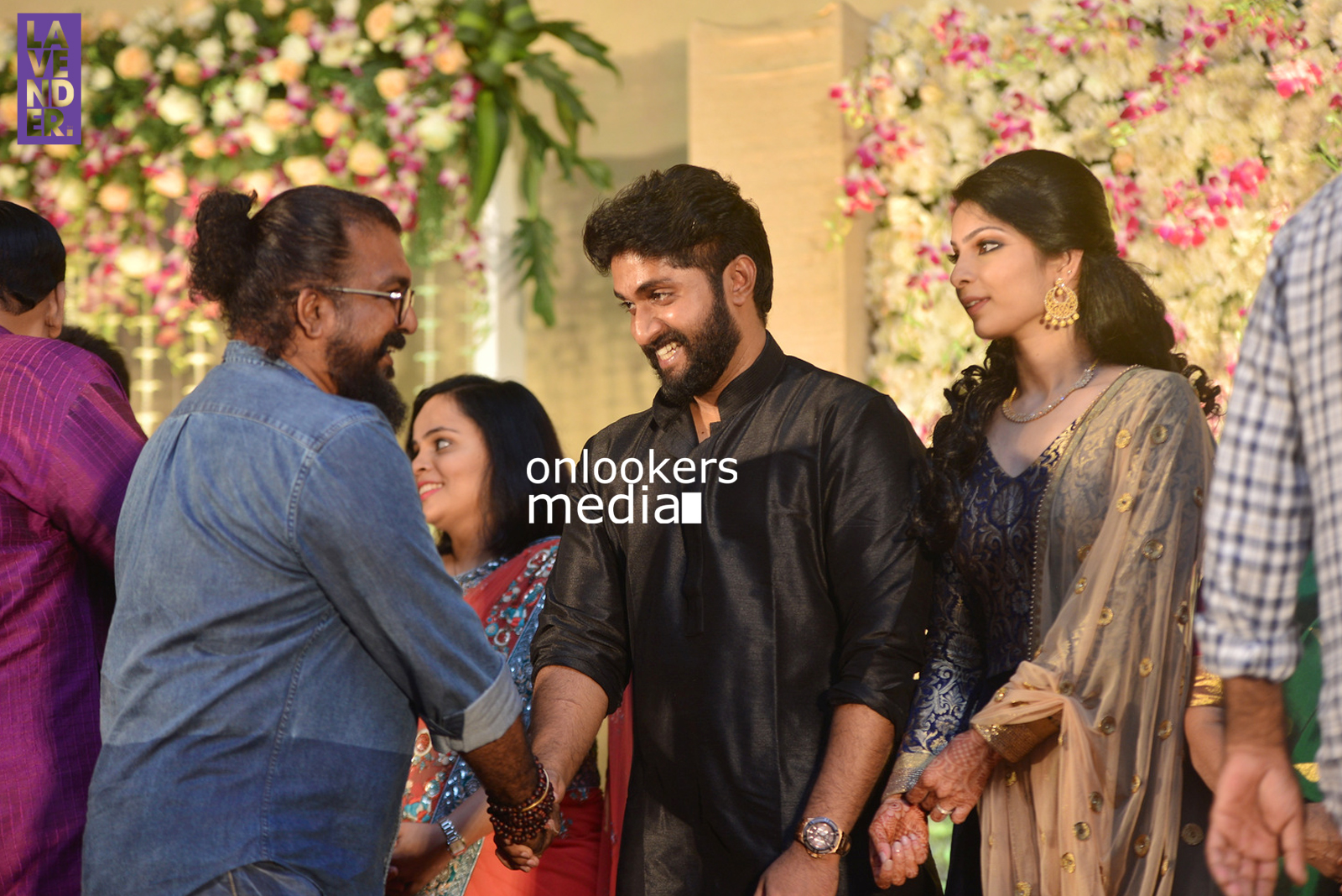 http://onlookersmedia.in/wp-content/uploads/2017/04/Dhyan-Sreenivasan-Wedding-Reception-Stills-Photo-24.jpg