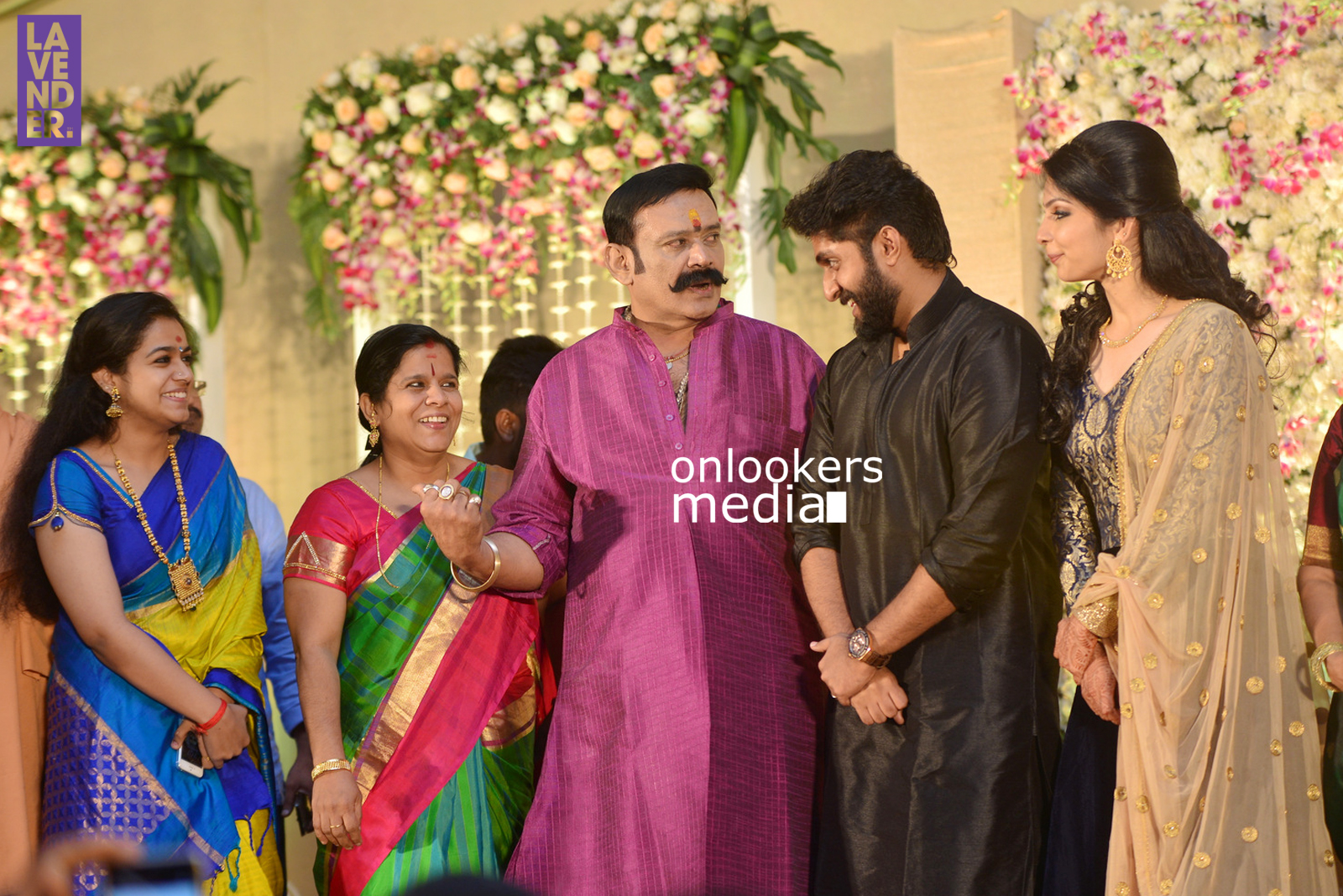 http://onlookersmedia.in/wp-content/uploads/2017/04/Dhyan-Sreenivasan-Wedding-Reception-Stills-Photo-25.jpg