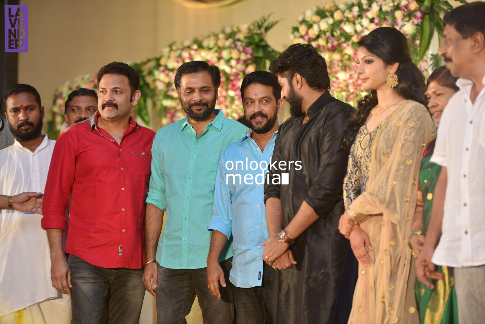 http://onlookersmedia.in/wp-content/uploads/2017/04/Dhyan-Sreenivasan-Wedding-Reception-Stills-Photo-28.jpg