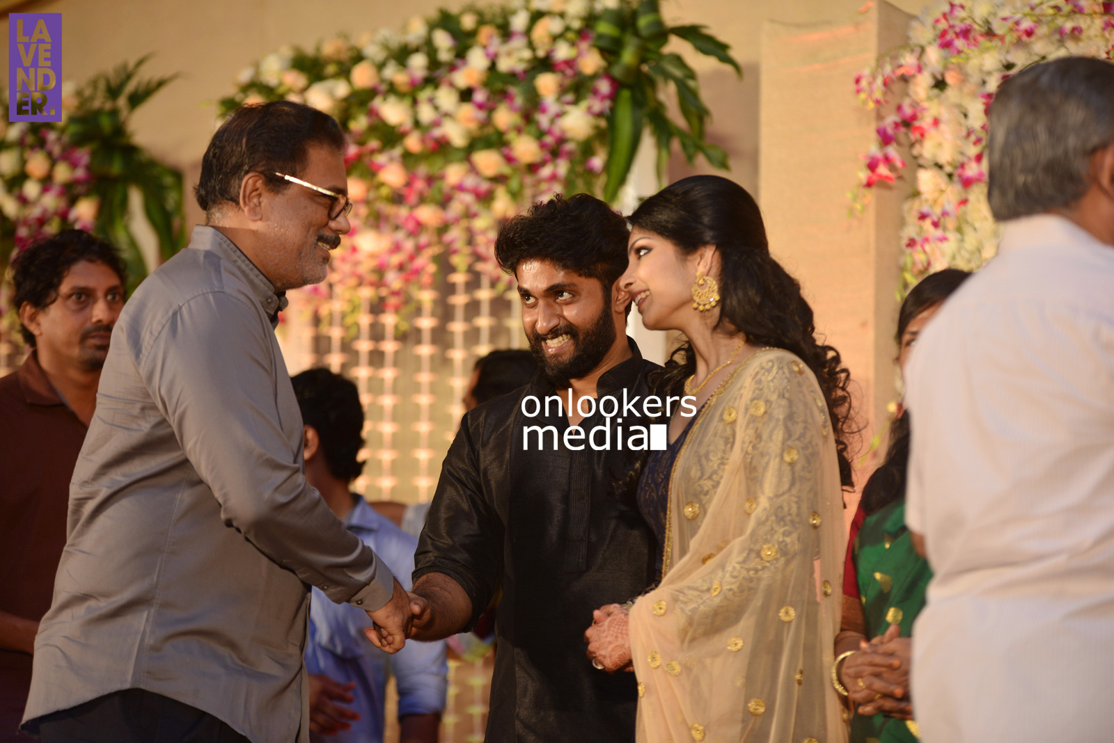 http://onlookersmedia.in/wp-content/uploads/2017/04/Dhyan-Sreenivasan-Wedding-Reception-Stills-Photo-52.jpg