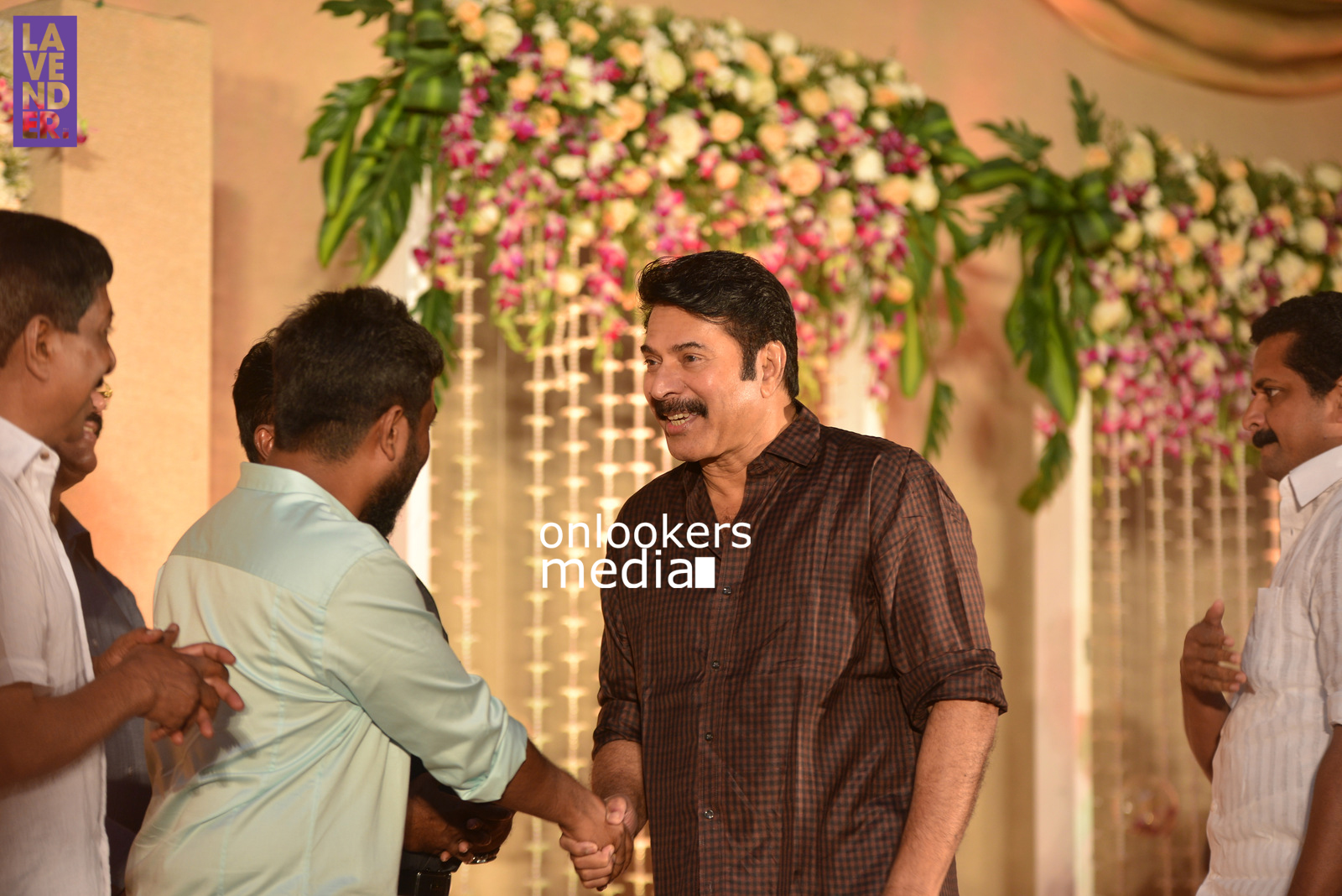 http://onlookersmedia.in/wp-content/uploads/2017/04/Dhyan-Sreenivasan-Wedding-Reception-Stills-Photo-64.jpg