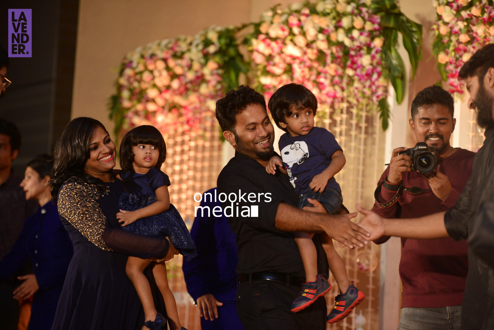 http://onlookersmedia.in/wp-content/uploads/2017/04/Dhyan-Sreenivasan-Wedding-Reception-Stills-Photo-71.jpg