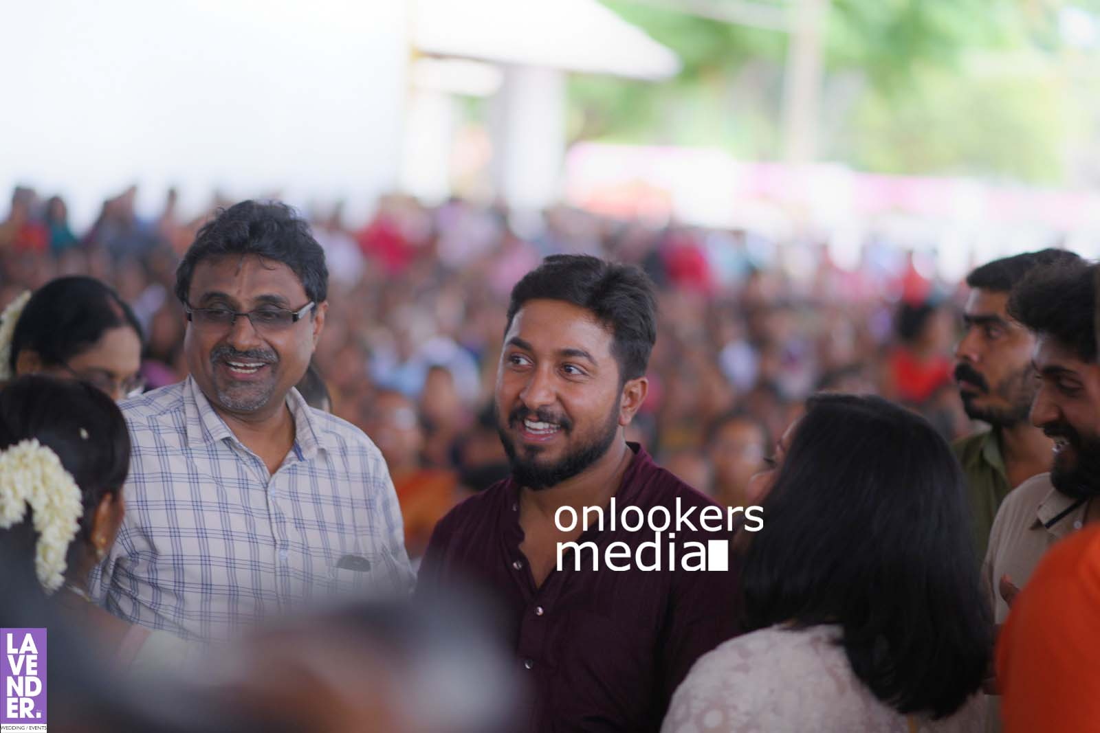 http://onlookersmedia.in/wp-content/uploads/2017/04/Dhyan-Sreenivasan-Wedding-Stills-Photos-15.jpg