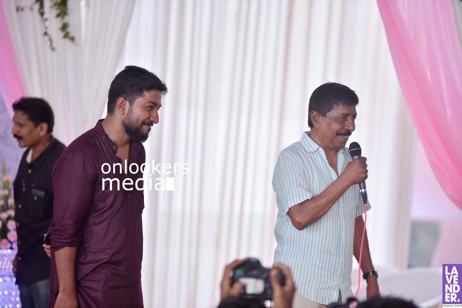 http://onlookersmedia.in/wp-content/uploads/2017/04/Dhyan-Sreenivasan-Wedding-Stills-Photos-18.jpg