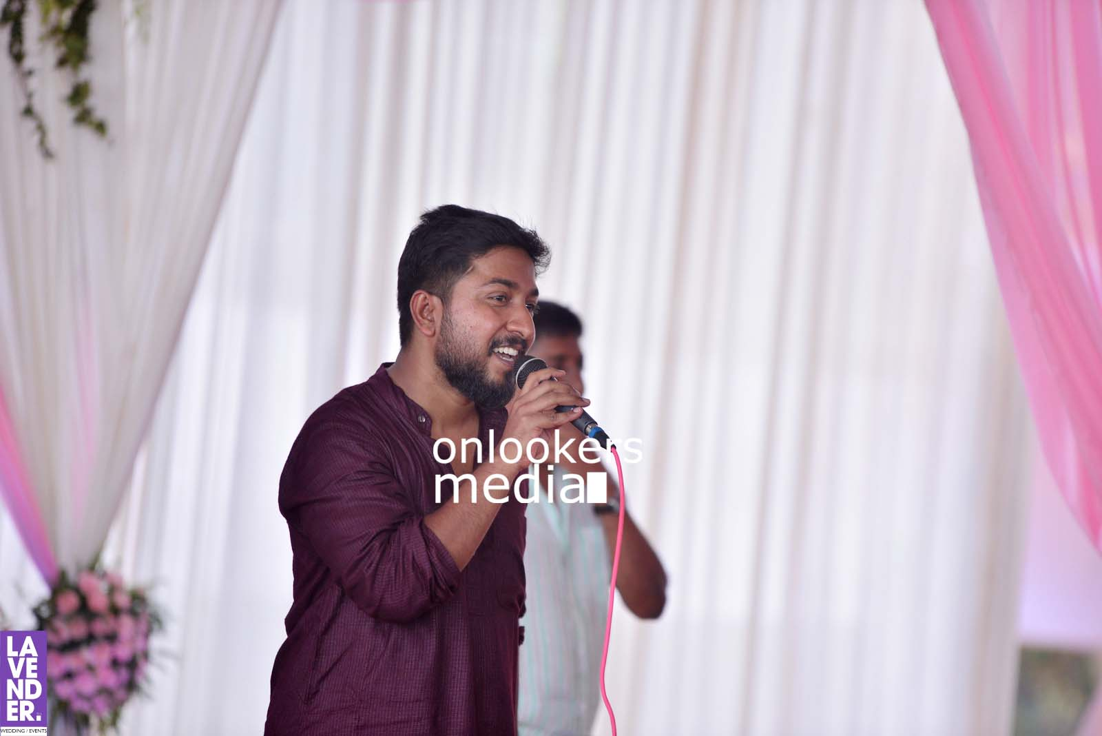http://onlookersmedia.in/wp-content/uploads/2017/04/Dhyan-Sreenivasan-Wedding-Stills-Photos-19.jpg