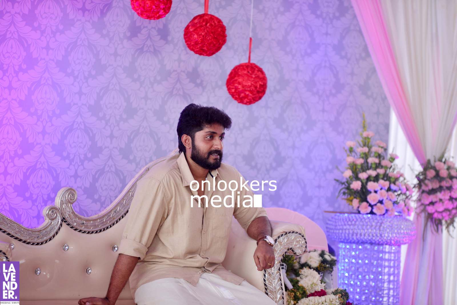 http://onlookersmedia.in/wp-content/uploads/2017/04/Dhyan-Sreenivasan-Wedding-Stills-Photos-20.jpg