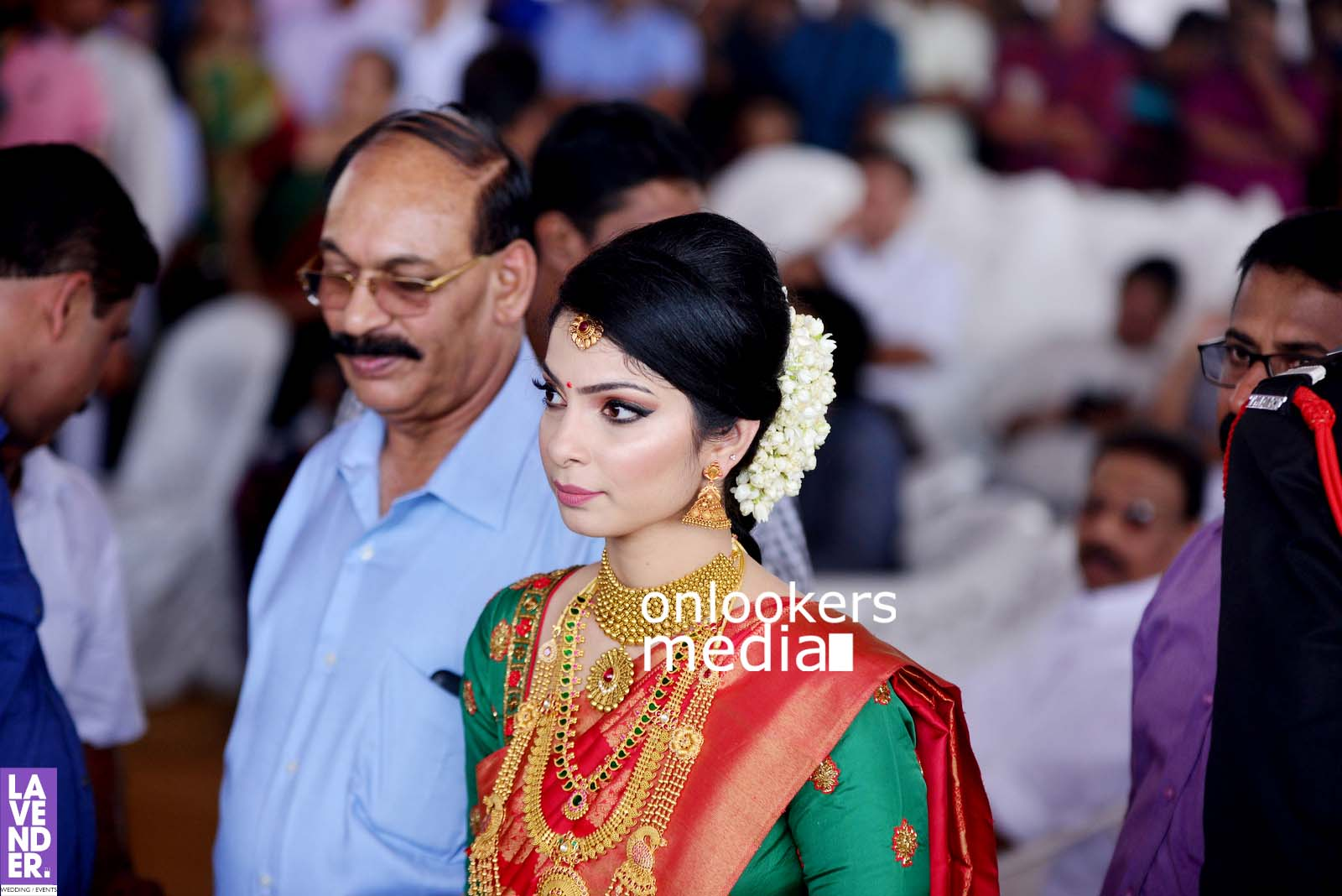 http://onlookersmedia.in/wp-content/uploads/2017/04/Dhyan-Sreenivasan-Wedding-Stills-Photos-22.jpg