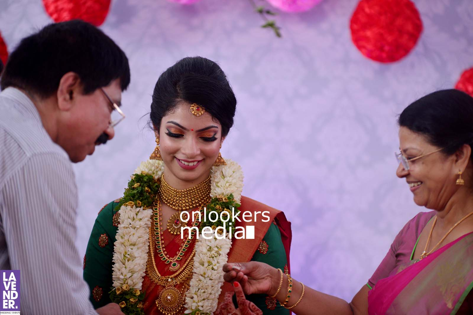 http://onlookersmedia.in/wp-content/uploads/2017/04/Dhyan-Sreenivasan-Wedding-Stills-Photos-31.jpg