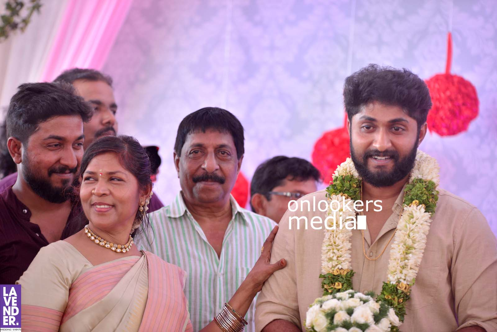 http://onlookersmedia.in/wp-content/uploads/2017/04/Dhyan-Sreenivasan-Wedding-Stills-Photos-33.jpg