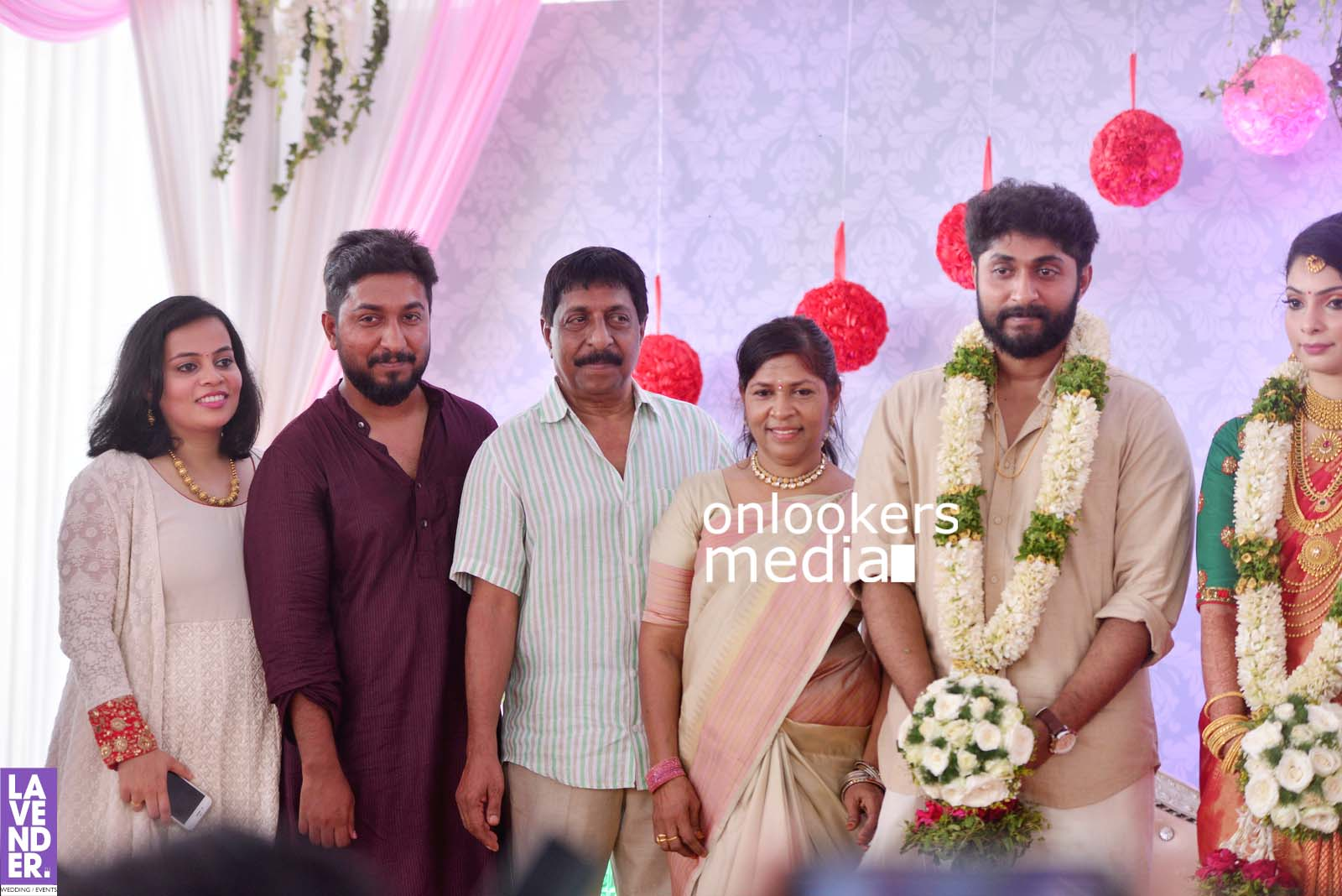 http://onlookersmedia.in/wp-content/uploads/2017/04/Dhyan-Sreenivasan-Wedding-Stills-Photos-38.jpg