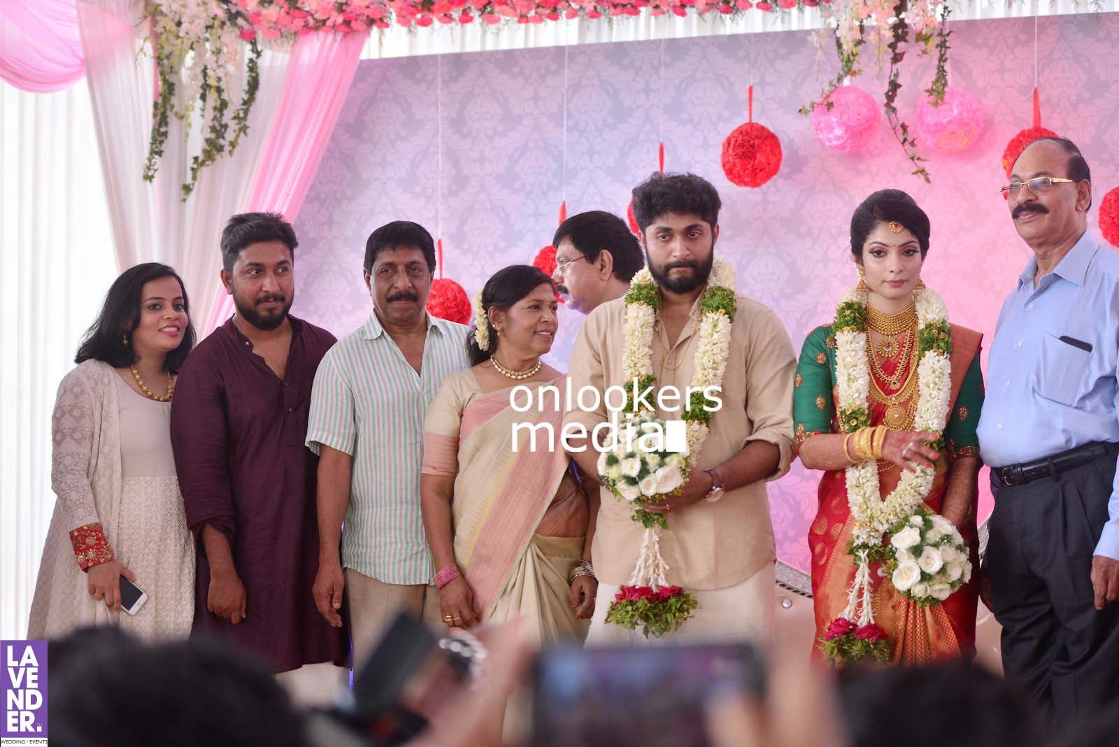 http://onlookersmedia.in/wp-content/uploads/2017/04/Dhyan-Sreenivasan-Wedding-Stills-Photos-39.jpg