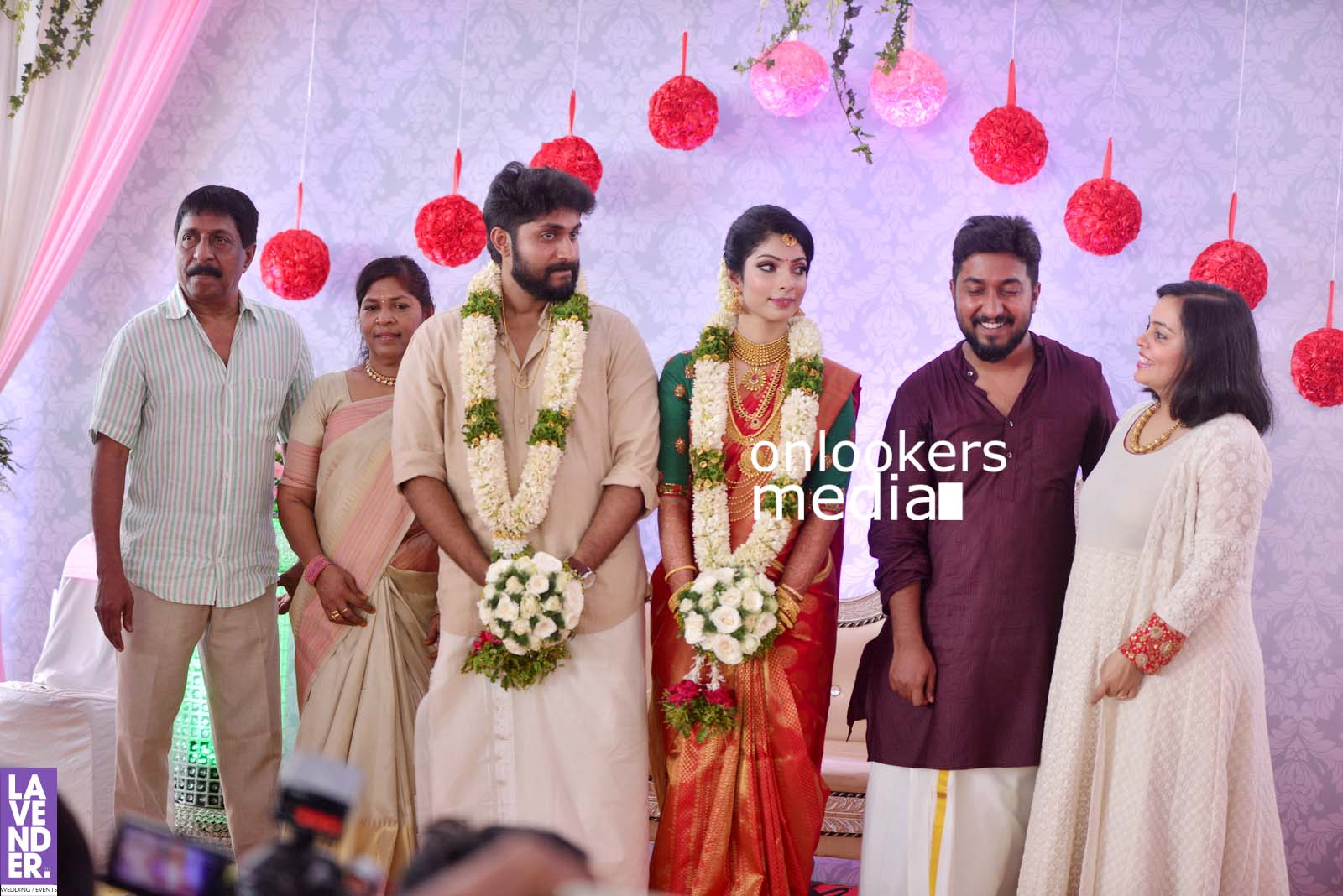 http://onlookersmedia.in/wp-content/uploads/2017/04/Dhyan-Sreenivasan-Wedding-Stills-Photos-40.jpg