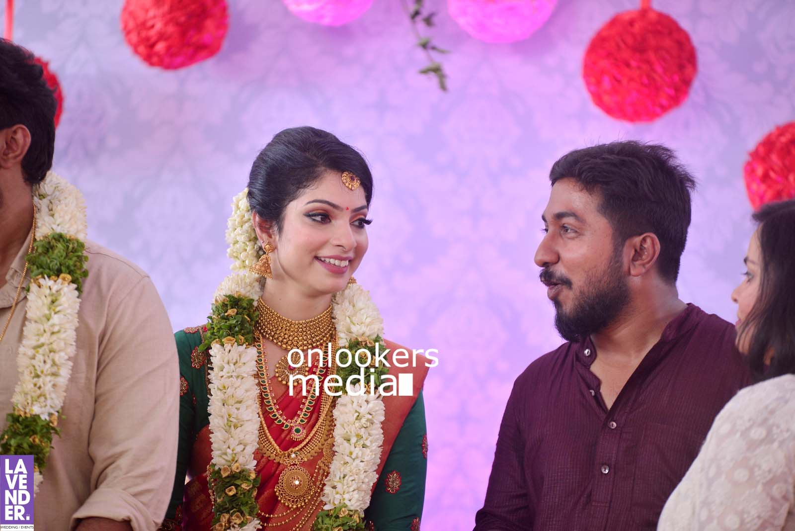 http://onlookersmedia.in/wp-content/uploads/2017/04/Dhyan-Sreenivasan-Wedding-Stills-Photos-42.jpg