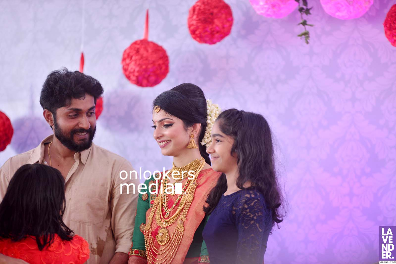 http://onlookersmedia.in/wp-content/uploads/2017/04/Dhyan-Sreenivasan-Wedding-Stills-Photos-47.jpg