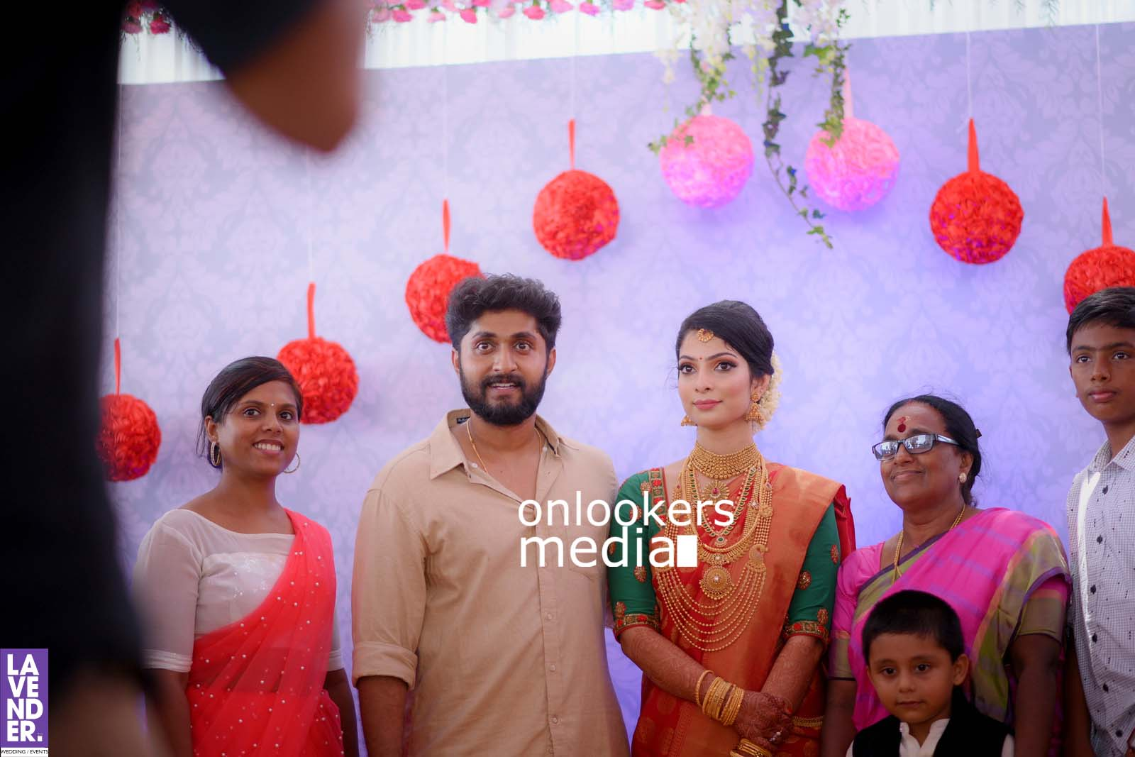 http://onlookersmedia.in/wp-content/uploads/2017/04/Dhyan-Sreenivasan-Wedding-Stills-Photos-51.jpg