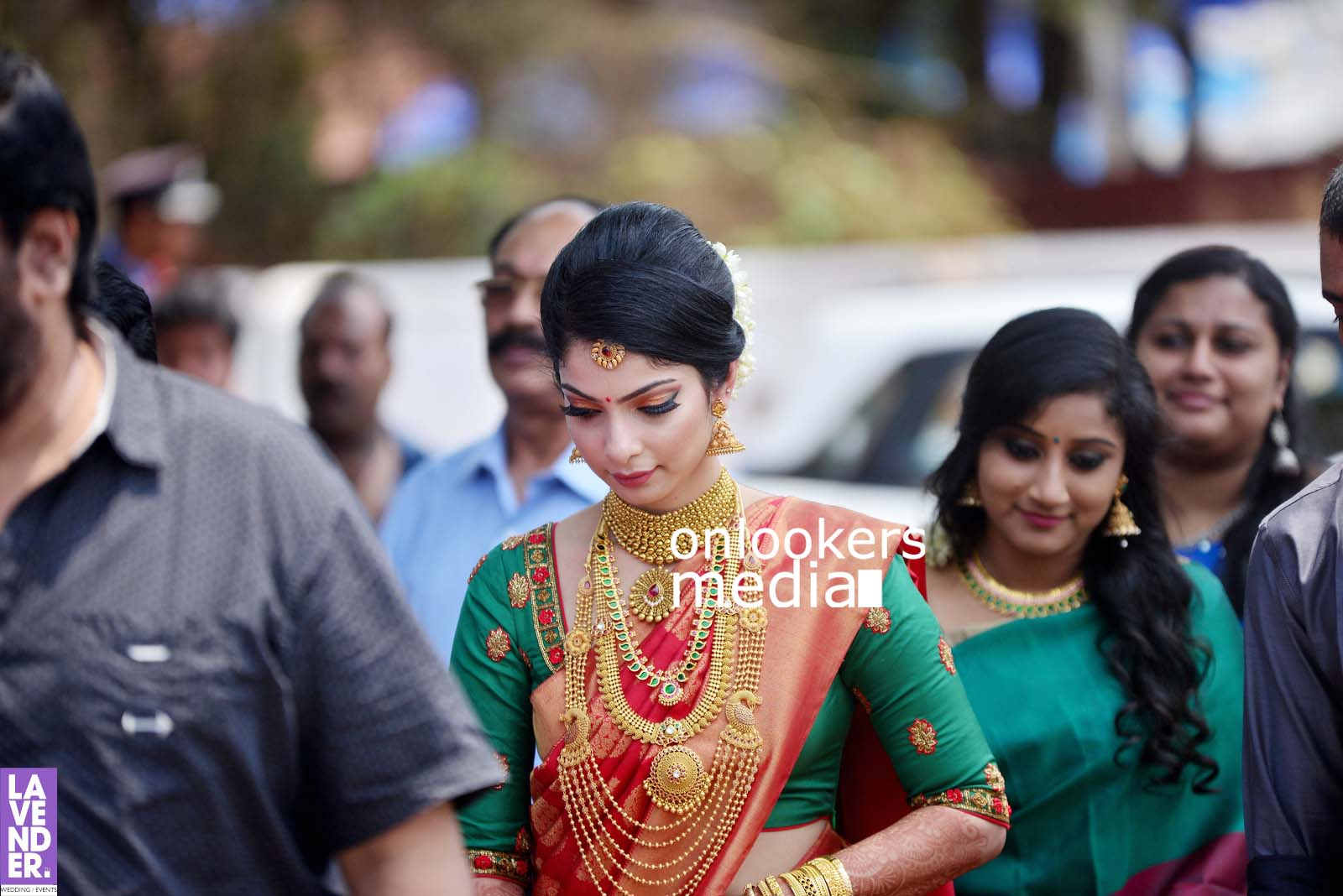 http://onlookersmedia.in/wp-content/uploads/2017/04/Dhyan-Sreenivasan-Wedding-Stills-Photos-9.jpg