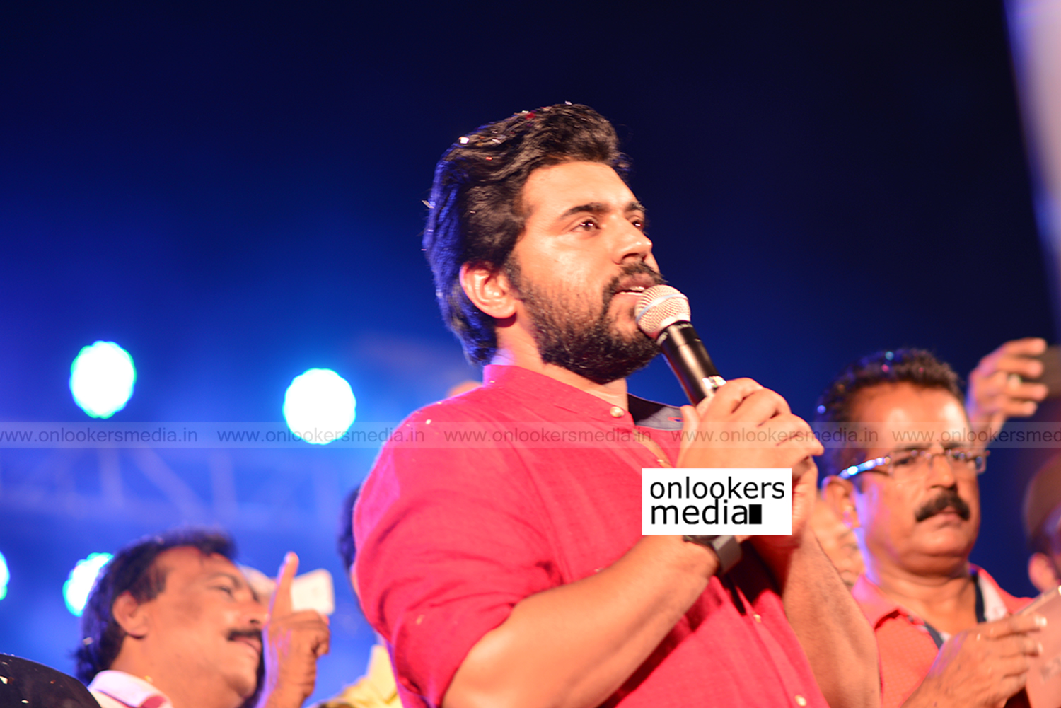 http://onlookersmedia.in/wp-content/uploads/2017/04/Sakhavu-Audio-Launch-Stills-Photos-1.jpg
