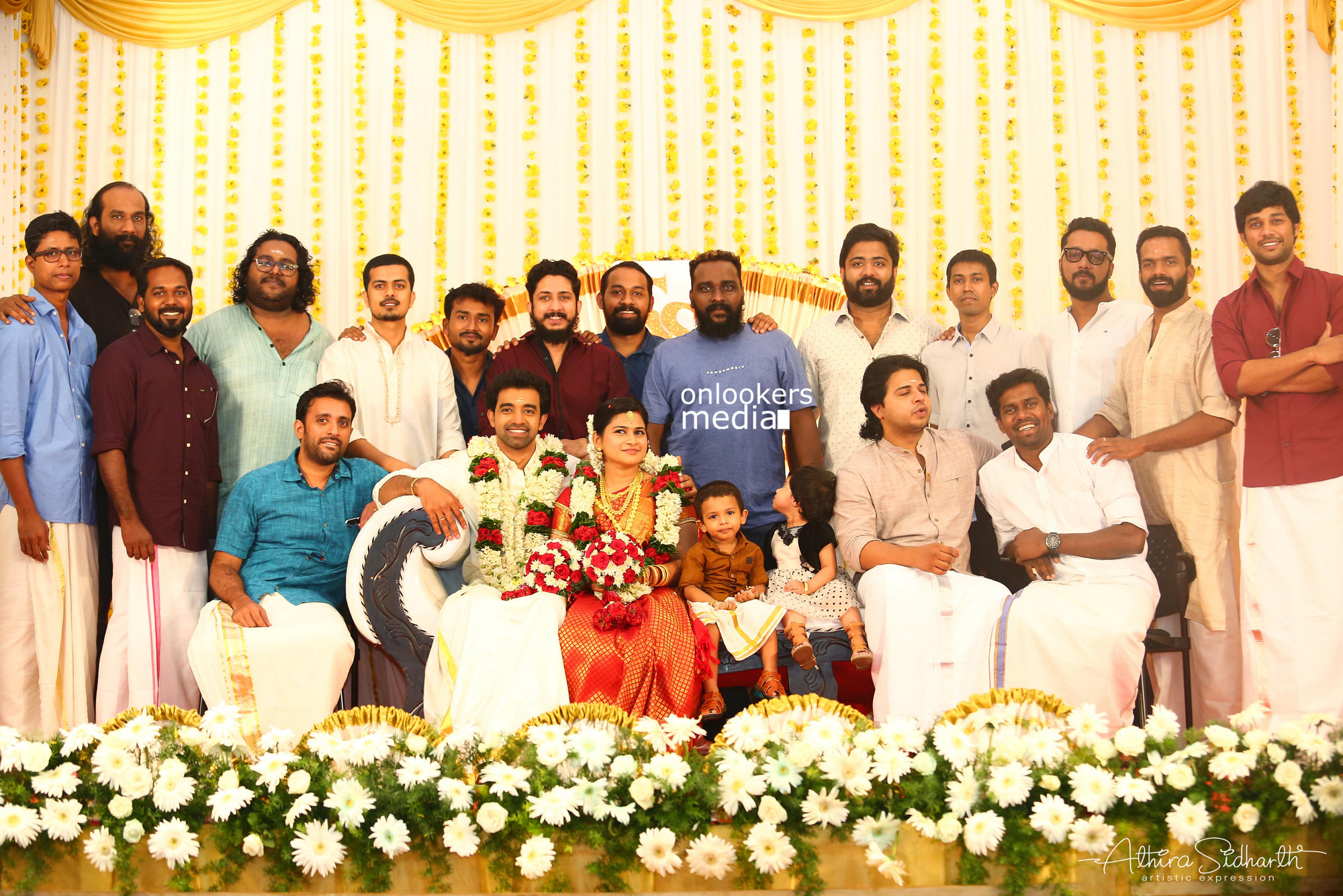 http://onlookersmedia.in/wp-content/uploads/2017/05/Malayalam-Actor-Siju-Wilson-Wedding-Stills-Photos-17.jpg