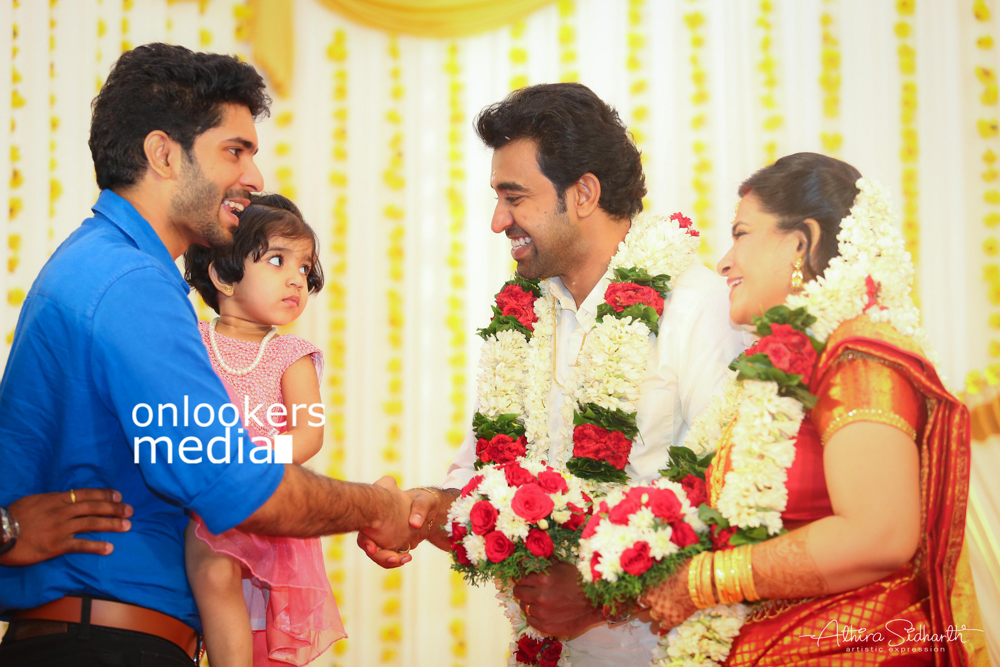 http://onlookersmedia.in/wp-content/uploads/2017/05/Malayalam-Actor-Siju-Wilson-Wedding-Stills-Photos-20.jpg