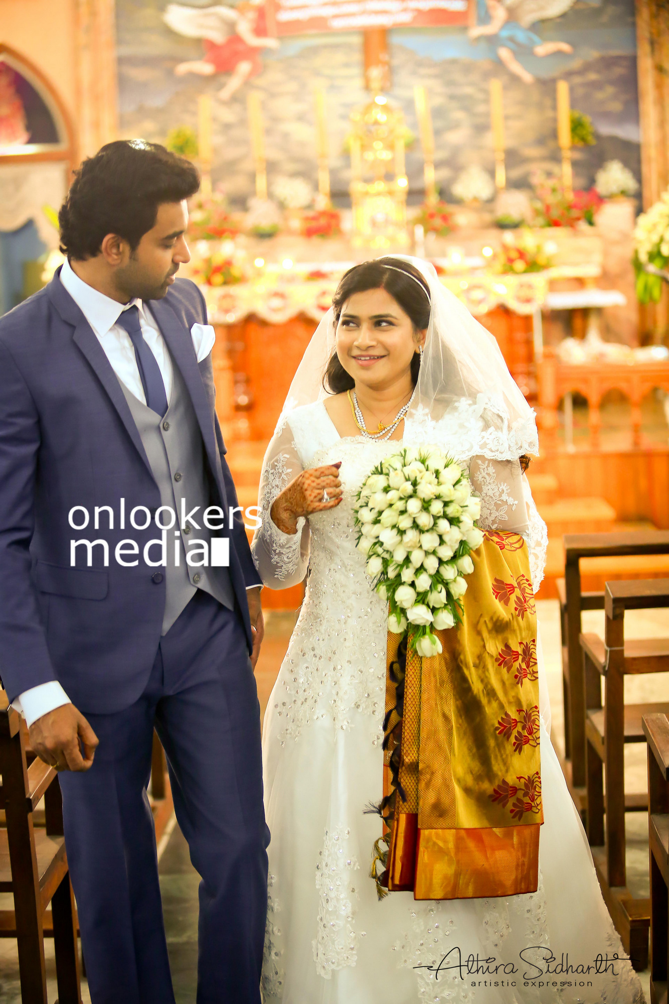 http://onlookersmedia.in/wp-content/uploads/2017/05/Malayalam-Actor-Siju-Wilson-Wedding-Stills-Photos-40.jpg
