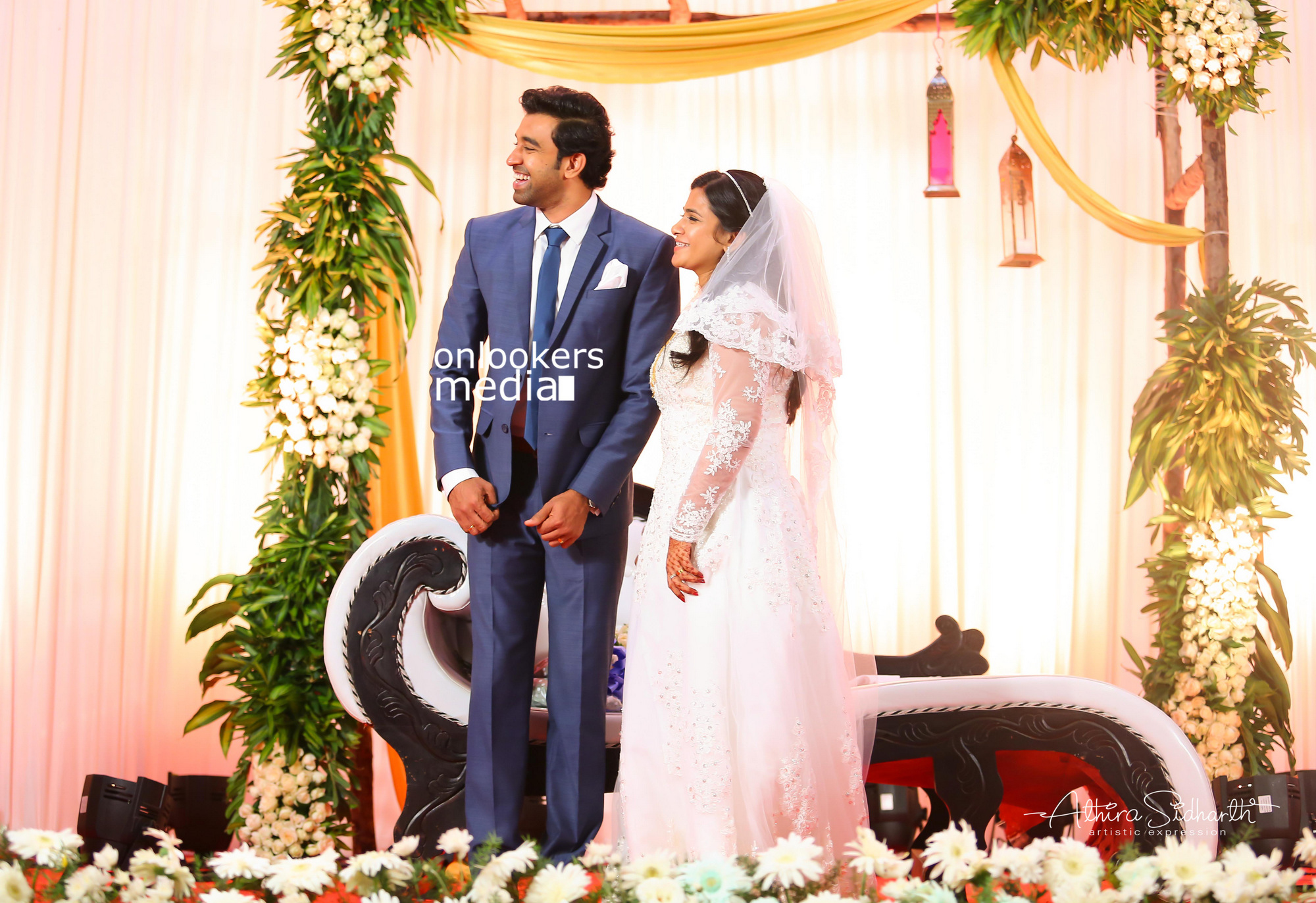 http://onlookersmedia.in/wp-content/uploads/2017/05/Malayalam-Actor-Siju-Wilson-Wedding-Stills-Photos-49.jpg