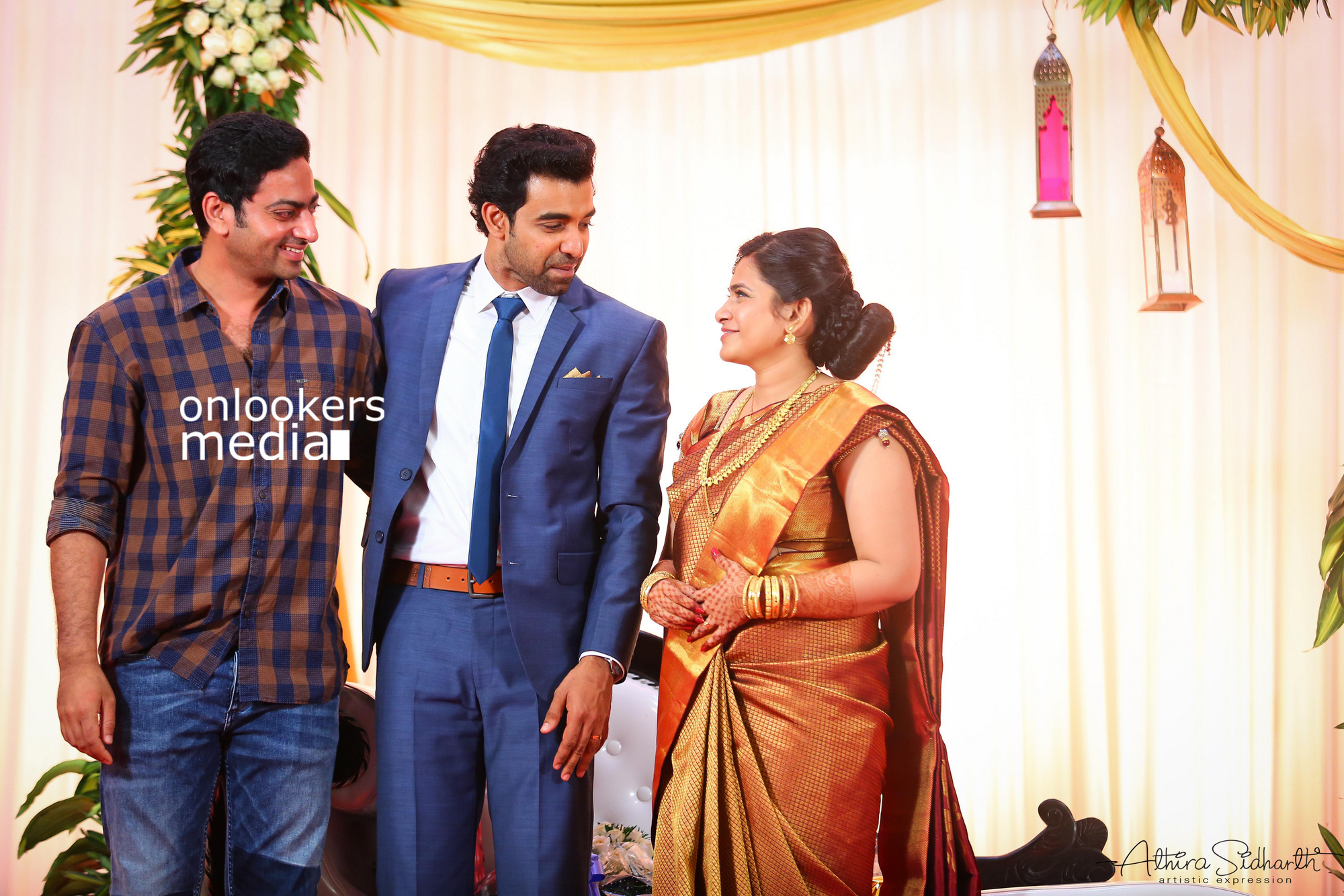 http://onlookersmedia.in/wp-content/uploads/2017/05/Malayalam-Actor-Siju-Wilson-Wedding-Stills-Photos-57.jpg