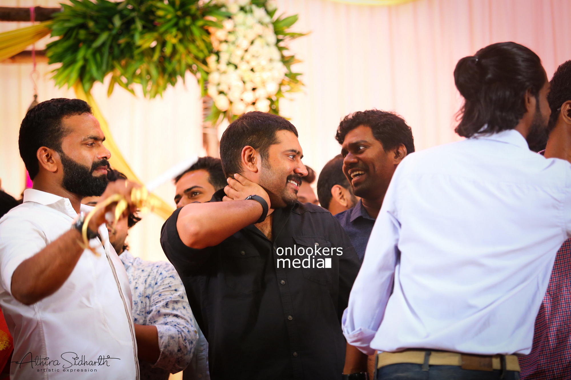 http://onlookersmedia.in/wp-content/uploads/2017/05/Malayalam-Actor-Siju-Wilson-Wedding-Stills-Photos-65.jpg