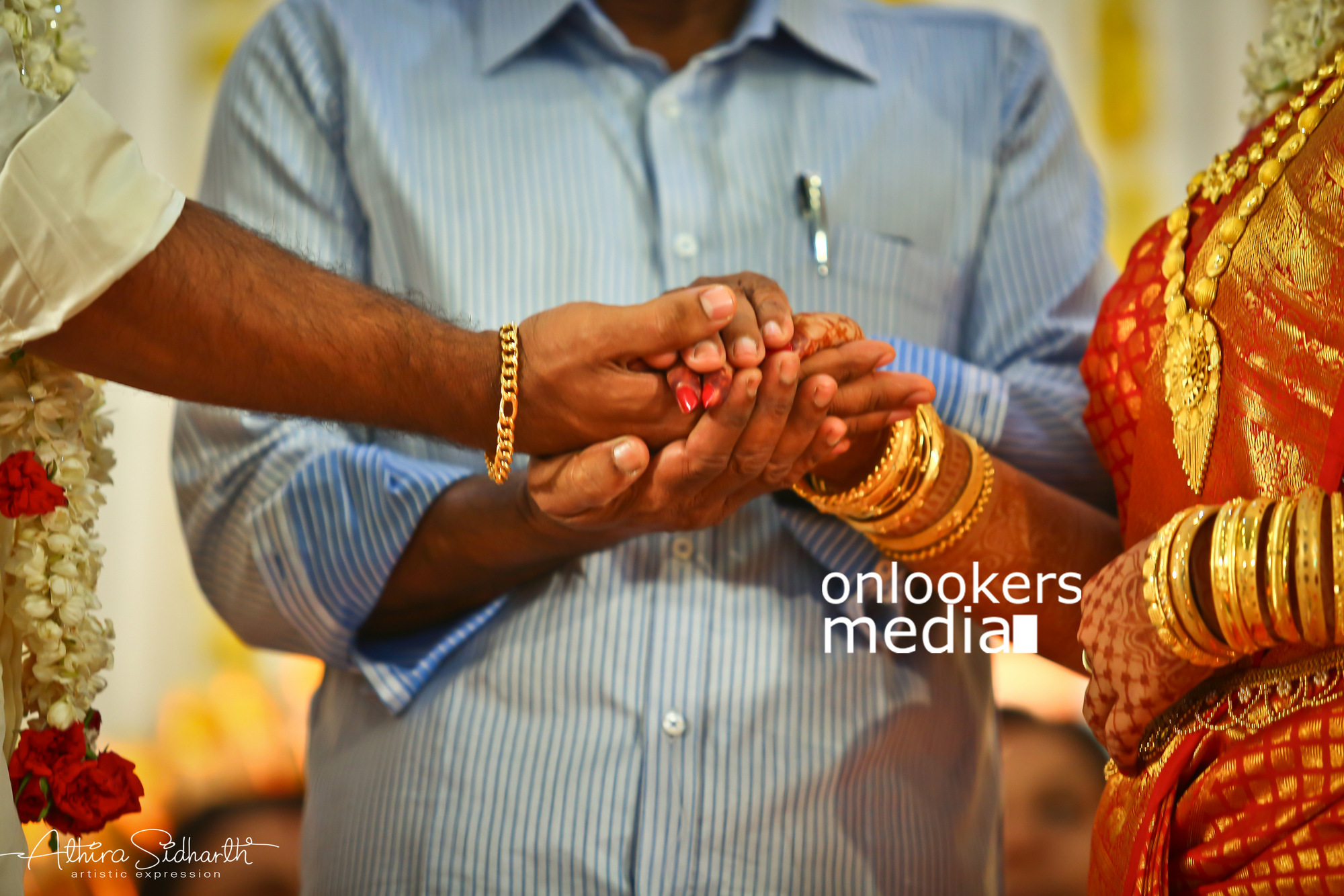 http://onlookersmedia.in/wp-content/uploads/2017/05/Malayalam-Actor-Siju-Wilson-Wedding-Stills-Photos-74.jpg
