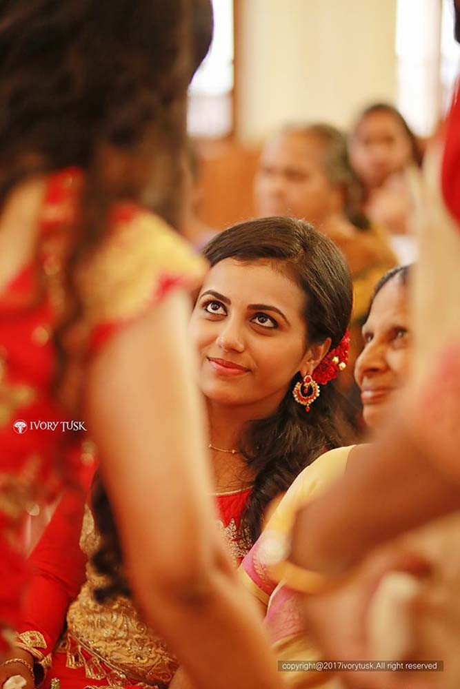 http://onlookersmedia.in/wp-content/uploads/2017/05/Serial-Actress-Sreelaya-Wedding-Stills-Photos-17.jpg