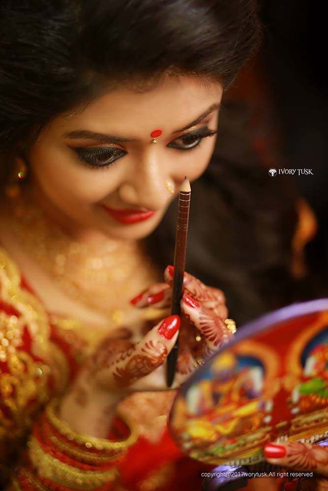 http://onlookersmedia.in/wp-content/uploads/2017/05/Serial-Actress-Sreelaya-Wedding-Stills-Photos-5.jpg