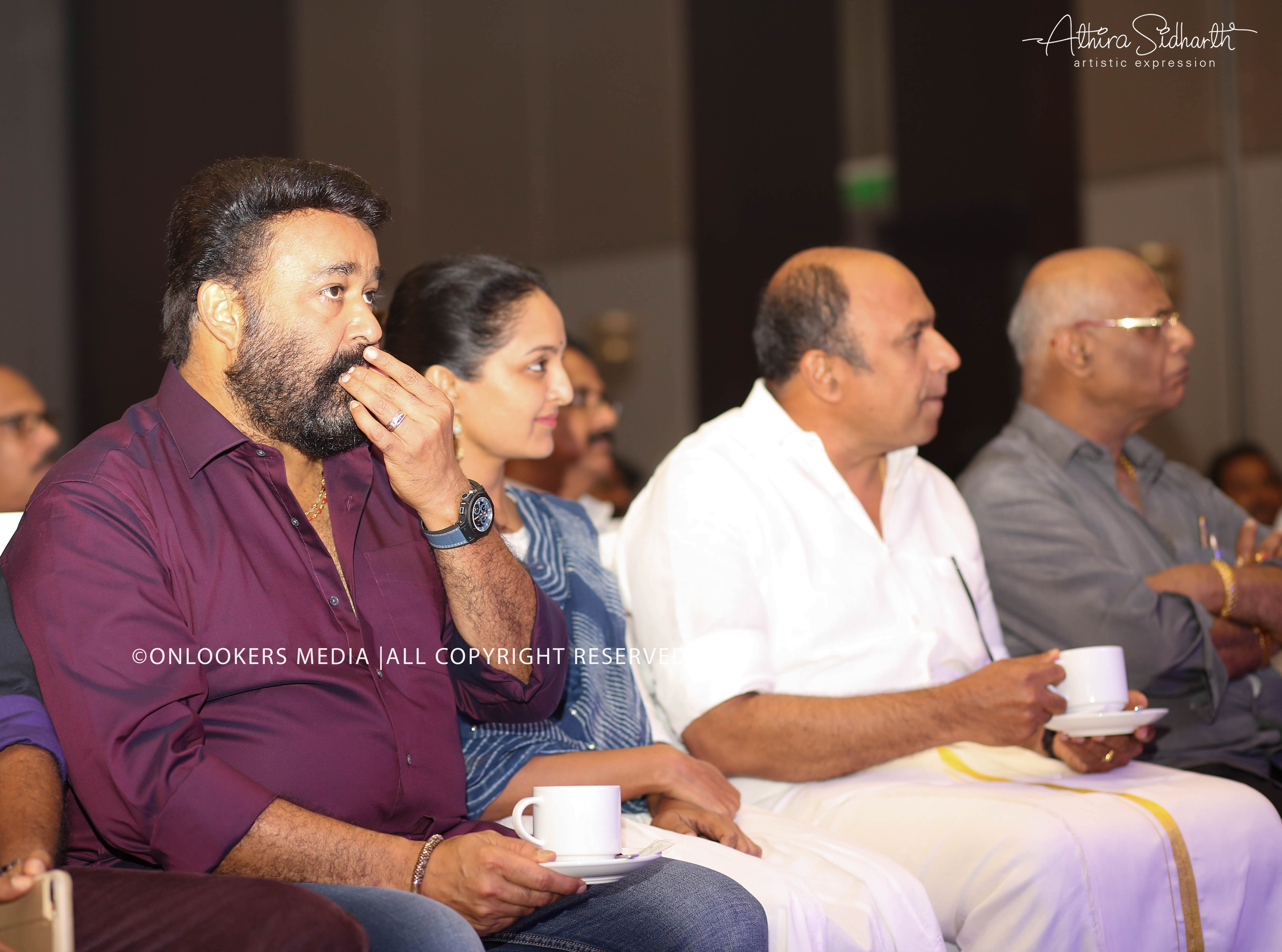 http://onlookersmedia.in/wp-content/uploads/2017/09/villain-audio-launch-stills-photos-17.jpg